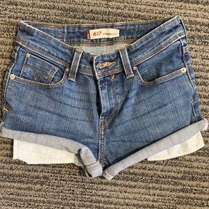 Levi's Mid Waisted Shorts